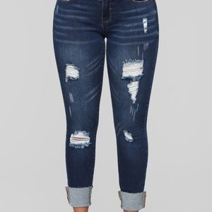 Low Ruse Cropped Distressed Jeans